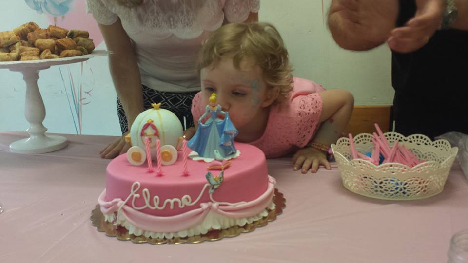 Letto Carrozza Cenerentola : Cenerentola e la sua festa di compleanno ⋆ bolle eventi eventi