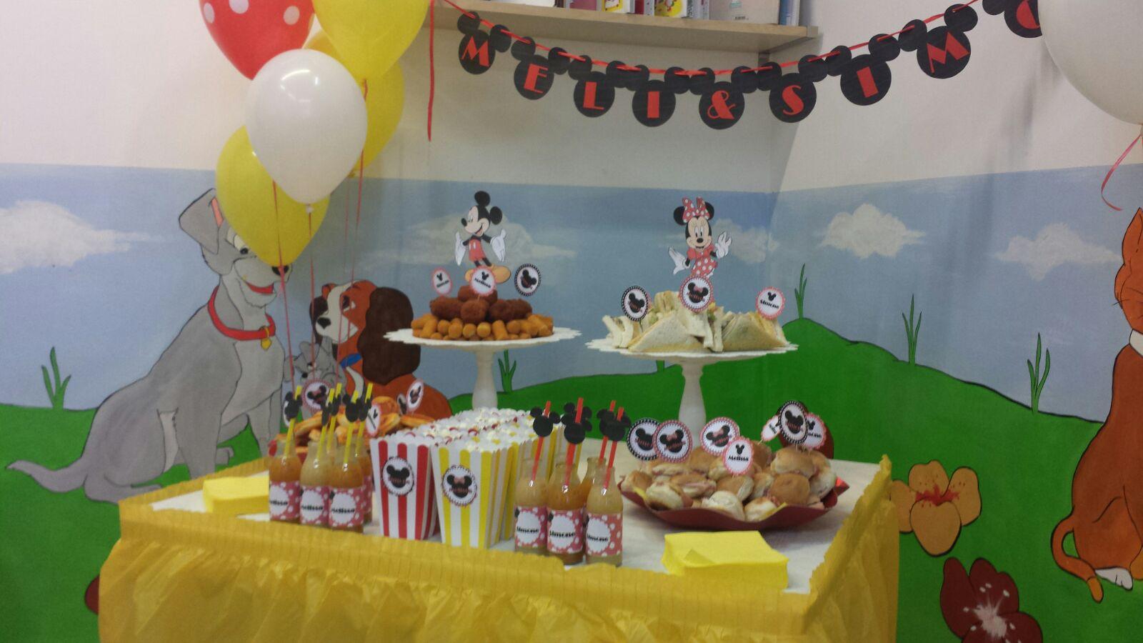 Tavolo Compleanno Topolino : Minnie e topolino il classico ⋆ bolle eventi eventi animazione